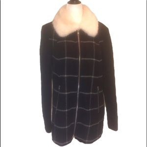 """""""FOREVER 21"""" Navy check faux fur collar jacket."""